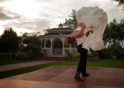 romantic garden wedding couple dancing